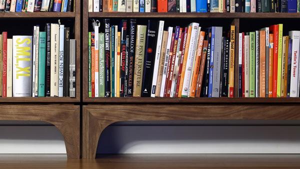 Franck makes bookcase