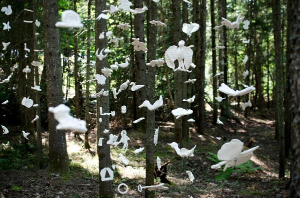 Quand les artistes s 39 invitent dans la f ret du qu bec - Quand mettre du composte dans le jardin ...