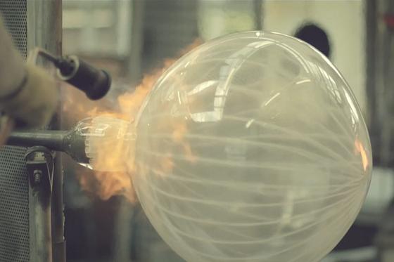 Jeremy Maxwell Wintrebert souffleur de verre artisanal
