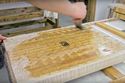 Le processus de fabrication de planches à découper